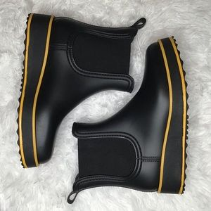 Bernardo Black Willa Boots